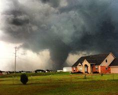 Las 10 fotos más impactantes del trágico tornado - Cachicha.com
