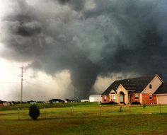 Twitter / BuzzFeedNews: Horrifying Photo Of The Massive EF5 Tornado, Moore Oklahoma May 20, 2013