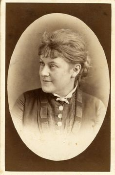 Visitenkartenporträt; Sängerin (Sopran), geb. 21.6.1855 in Insterburg, gest. 2.1.1930 in Dresden