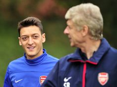 Berlin (AFP) - Arsenal's German international Mesut Ozil says he is waiting to learn the fate of manager Arsene Wenger before agreeing to sign a new contract with the London club.Wenger's contract at Arsenal expires at the end of the season and Ozil's dec Arsenal Fc, London Colney, North London, Jack Wilshere, Arsene Wenger, English Premier League, Premier League Matches, Automotive News, Juan Mata