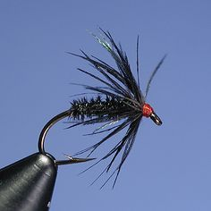 fly tying | This is one of, in my opinion, Leisenring's most effective flies. I ...For more fly fishing info follow and subscribe www.theflyreelguide.com Also check out the original pinners site and support