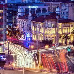 Sen de takibe al; kentine sahip çık, 8500 yıllık bir şehrin kültürünü, denizini, lezzetini, doğasını, insanını tüm dünyaya beraber anlatalım. #cityofizmir @cityofizmir #izmir Photocredit @emirali_kokal   #izmir