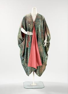 Evening cape with printed peacock feathers. Liberty of London, 1910-1915
