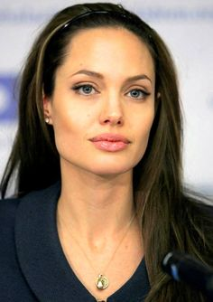 Angelina Jolie - Celebs with acne, zits, pimples - Celebrities Get Pimples, Too - Celebration of life Angelina Jolie Nose, Angelina Jolie Photoshoot, Angelina Jolie Quotes, Angelina Jolie Maleficent, Angelina Jolie Pictures, Angelina Jolie Style, Most Beautiful Hollywood Actress, Brad Pitt, Beautiful Celebrities