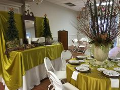 Beautiful Holiday Table created and hosted by Mary Knight Robinson and Lin Powell Sheffield. Colquitt County Arts Center in Moultrie, GA