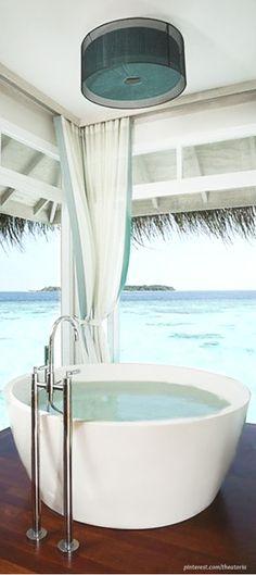 Millionaire Beach House- House In The Hamptons ● Outdoor Space- LadyLuxury Modern Coastal, Coastal Living, Coastal Decor, Beautiful Space, Beautiful Homes, Porches, Beautiful Bathrooms, My Dream Home, The Hamptons