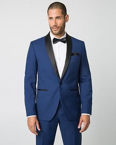 This suit makes this model look REALLY good. It's so slick! A great blue suit – Le Château: Woven Slim Fit Blazer