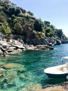 Escape with ZIMMERMANN for travel tips and breathtaking images to Positano, Italy. Places To Travel, Places To See, Travel Destinations, Travel Europe, Colorfull Wallpaper, Travel Aesthetic, Sky Aesthetic, Flower Aesthetic, Travel Goals