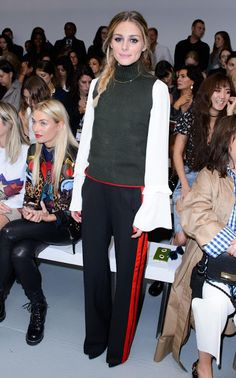 Though London Fashion Week might look like a string of glamorous parties, shows and dinners, the reality of schlepping between each presentation space can be a little less glitzy. Olivia Palermo Outfit, Olivia Palermo Style, Zara Trousers, Tracksuit Bottoms, Vintage Fashion, Street Style, Fashion Outfits, How To Wear, London Fashion
