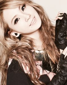 2NE1 CL  as my bestie says this is the only girl we'd go lesbian for <3 saranghae eonnie