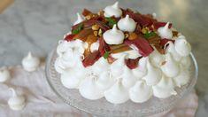 Rabarberpavlova med saltkolasås