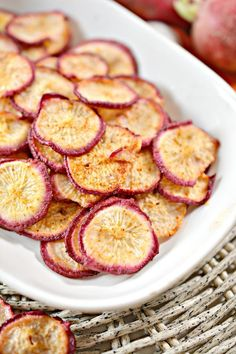 Keto Snacks, Healthy Snacks, Smart Snacks, Keto Foods, Keto Meal, Radish Chips, Low Carb Potatoes, Keto Cheese Chips, Zucchini Chips Recipe