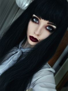 Emo girls the fans of punk music are emotional girls look sad and miserable. Emo girls have dramatic Dark Beauty, Beauty Make-up, Goth Beauty, Beauty Hacks, Makeup Gothic, Goth Makeup, Dark Makeup, Eye Makeup, Steampunk