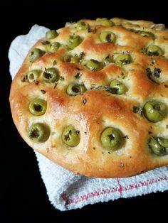 Pain aux olives 2 -  cuisine à 4 mains My Recipes, Cooking Recipes, Favorite Recipes, Pizza Recipes, Baguette, Pain Aux Olives, Tapas, Tunisian Food, Algerian Recipes