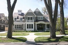 CURB APPEAL – another great example of beautiful design. Fergon Architects, LLC showcases a traditional exterior near chicago by Fergon Architects, LLC.