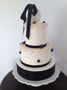 Torta Natale bianco e nero Black and White Cake Christmas Cake