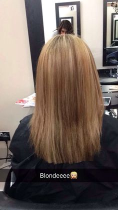 1 cm off the base length and square layer blowdryed straight - 27/04/2016