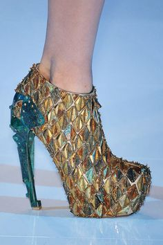 *  Alexander McQueen Shoes -- A Work of Art  *  Alexander McQueen, CBE  *  RIP March 17, 1969 - February 11, 2010