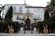Gianni Versace's Miami home: in pictures Versace House Miami, Gianni Versace House, Versace Home, Miami Art Deco, South Beach, Miami Beach, Miami Houses, Celebrity Houses, Luxury Life