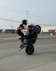 Best Motorbike, Motorbike Girl, Biker Love, Biker Girl, Girl Riding Motorcycle, Motorcycle Couple, Cool Motorcycles, Girls On Motorcycles, Girl Motorcyclist