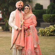 Punjabi Wedding Couple, Couple Wedding Dress, Wedding Couple Photos, Wedding Couples, Punjabi Couple, Wedding Dresses, Wedding Lehnga, Sikh Wedding, Bridal Lehenga