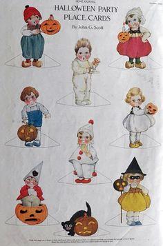 Charlis 1st Birthday Vintage Halloween Theme StylingMon Tresor Sweets Couture Cupcakes Cookies
