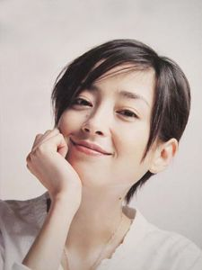 Miyazawa Rie, so cute! Japanese Icon, Japanese Culture, Vintage Japanese, Cool Haircuts, Cool Hairstyles, Japan Girl, Girl Poses, Cute Girls, Hair Care
