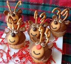 Rudolph Cupcakes – the perfect Christmas dessert! Could also use these as bear or monkey cupcakes! Reindeer Cupcakes, Holiday Cupcakes, Holiday Baking, Christmas Desserts, Christmas Baking, Holiday Treats, Holiday Recipes, Holiday Parties, Christmas Snacks