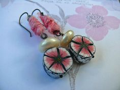Flowers in the Snow - pink white pearl textile floral earrings Pearl White, Pink White, Pink Blossom, Bead Shop, How To Make Earrings, Daffodils, Beaded Jewelry, Crochet Earrings, My Etsy Shop