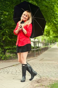 My Friends 1 - SamI was attracted to Sam(antha) when I saw her wearing her Wellingtons on a sunny day, we are now…View Postshared via WordPr. Wellies Rain Boots, Hunter Rain Boots, Girls Wear, Women Wear, Ladies Wellies, Hunter Outfit, Old Boots, Rainy Day Fashion, Rain Wear