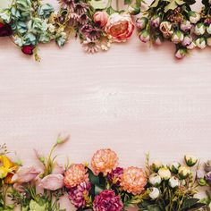 Colorful flowers on pink wooden background Free Photo Tumbler Backgrounds, Backgrounds Free, Flower Backgrounds, Wallpaper Backgrounds, Wallpapers, Wood Texture Background, Background Patterns, Background Vintage, Wooden Background