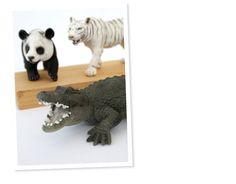 Blog de Decorar: Quer aprender a fazer ganchos divertidos? Use bichinhos de plástico!