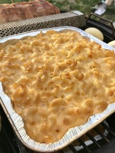 Smoked Mac And Cheese Smoked Mac and Cheese Smoker Cooking smoker recipes mac and cheese Traeger Recipes, Grilling Recipes, Vegetarian Grilling, Healthy Grilling, Barbecue Recipes, Barbecue Sauce, Vegetarian Food, Recipes For The Grill, Bbq Recipes Sides
