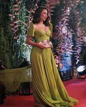 Debut Dresses, Grad Dresses, Ball Dresses, Ball Gowns, Formal Dresses, Modern Filipiniana Dress, Traditional Outfits, Editorial Fashion, Cute Outfits
