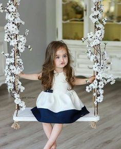 If you are lucky to have a baby girl or boy, you can easily understand power of baby charm. Cute babies are nothing less than marvels of joy. Why people love So Cute Baby, Cute Baby Girl Pictures, Cute Little Girls, Baby Photos, Fashion Kids, Baby Girl Fashion, Baby Girl Dresses, Baby Dress, Girl Outfits