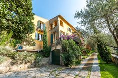 Villa in Pai, Italien. The place lies along the winding road from the old…
