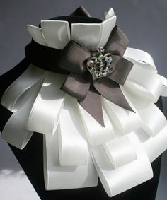 pattern frill of ribbons. Discussion on LiveInternet - Russian Service Online Diaries Fashion Details, Diy Fashion, Trendy Fashion, Fashion Design, Fashion Ideas, Fashion Tips, Faux Col, Tie Crafts, Diy Accessoires