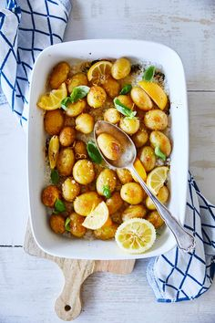 Veggie Recipes, Snack Recipes, Cooking Recipes, Potato Recipes, Snacks, I Love Food, Good Food, Yummy Food, Potato Dishes