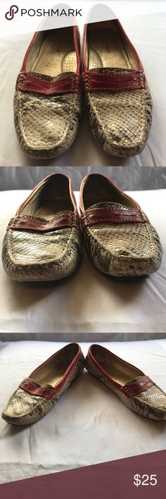 Marc Joseph Women's Snakeskin Flats Style:Marc Joseph Women's Snakeskin Flats Size:6 1/2 Original Box: Not Available These shoes have only been worn a handful of times. Shows some signs of wear great pre owned condition. Marc Joseph Shoes Flats & Loafers