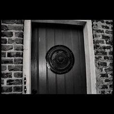 #door #brick #art #artphotography #bw #bnw #bnwlife #bnwmood #bnw_society #bnw_captures #bnw_universe #blackandwhitephotography #canonrebel #canon_photos #canonphotography #fineart_photobw #fineartphotography #frenchquarter #ig_bnw #instagood #love_bnw #monochrome #nola #neworleans #photographylovers by weird_little_jerk