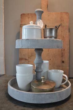 etagiere met koffiekopjes. Cedante.nl