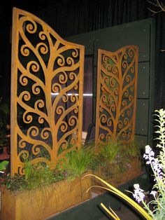 Custom Tree of Life plasma cut privacy panels in one of the 2008 gardens at the… Cnc Router, Plasma Cutter Art, Plasma Table, Wind Sculptures, Metal Yard Art, Laser Cut Metal, Metal Screen, Plasma Cutting, Metal Panels