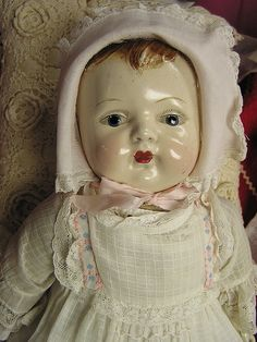 oh I remember Helen having one of her old dolls~it was just beautiful~