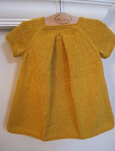Baby sweater dress to knit