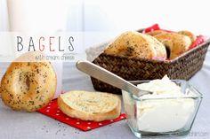 Rinkelisämpylät viikonloppubrunssille / Bagels for brunch Bagels, Muffins, Brunch, Camembert Cheese, Pudding, Cream, Breakfast, Desserts, Food