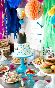 Fun and bright party by Cake Ink