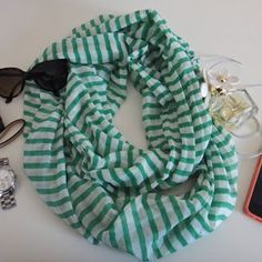 Emma Courtney: Infinity Scarf DIY