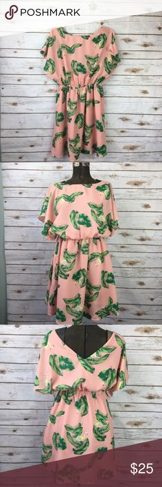 """The Webster Target Flamingo Summer Dress Brand:  The Webster for Target  Description:  Fun Flamingo Print, perfect for the warm weather.  Elastic waist.  Size:  Small  Measurements  Bust(armpit to armpit):  19""""  Waist:28-36""""  Length:35""""        G17-040 the webster fir target Dresses Midi"""