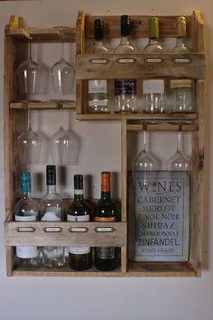 Wine rack, 8 bottles & 6 glasses