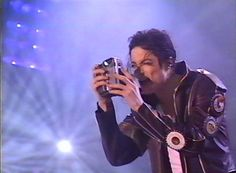 What a rare picture: #MichaelJackson taking a pic of somebody else!  ©Raynetta Manees, Author of #AllForLove, Inspired by #MichaelJackson